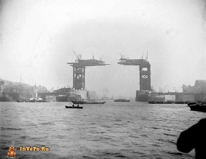 1889 год: строительство Тауэрского моста, которое началось в 1884 году и закончилось в 1895 году.