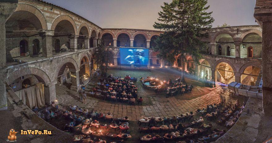 15-самых-крутых-кинотеатров-мира-12