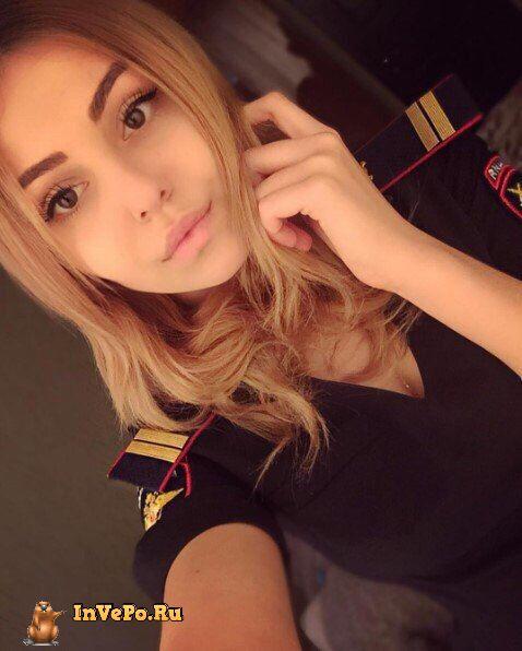 Красивые девушки в форме российской полиции