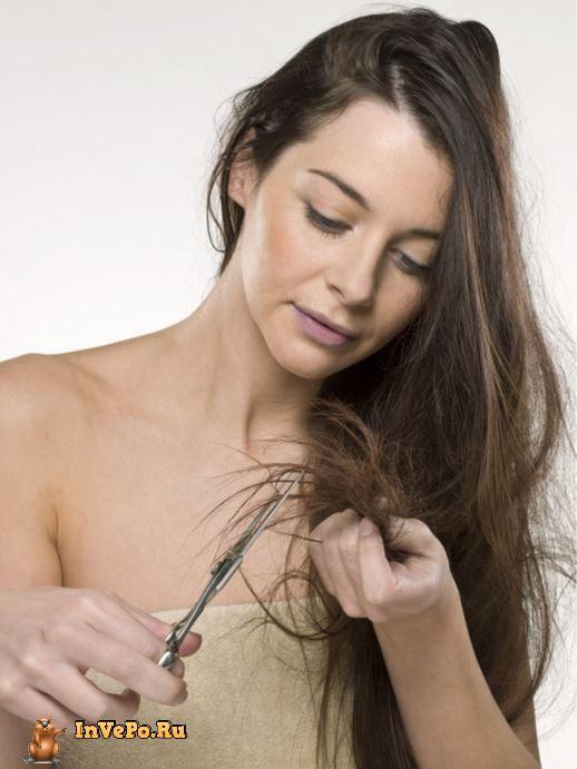 1. Предотвратить сечение кончиков волос поможет вазелин. Просто смазывайте кончики небольшим количеством этого средства
