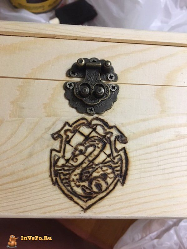 girl-creates-a-harry-potter-potion-chest-22