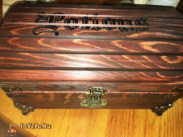 girl-creates-a-harry-potter-potion-chest-6