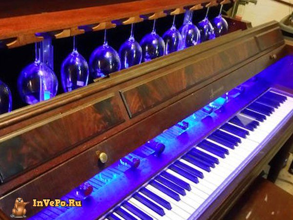 i-never-realized-the-full-potential-of-a-piano-until-i-saw-this-diy-wine-bar-35-photos-40