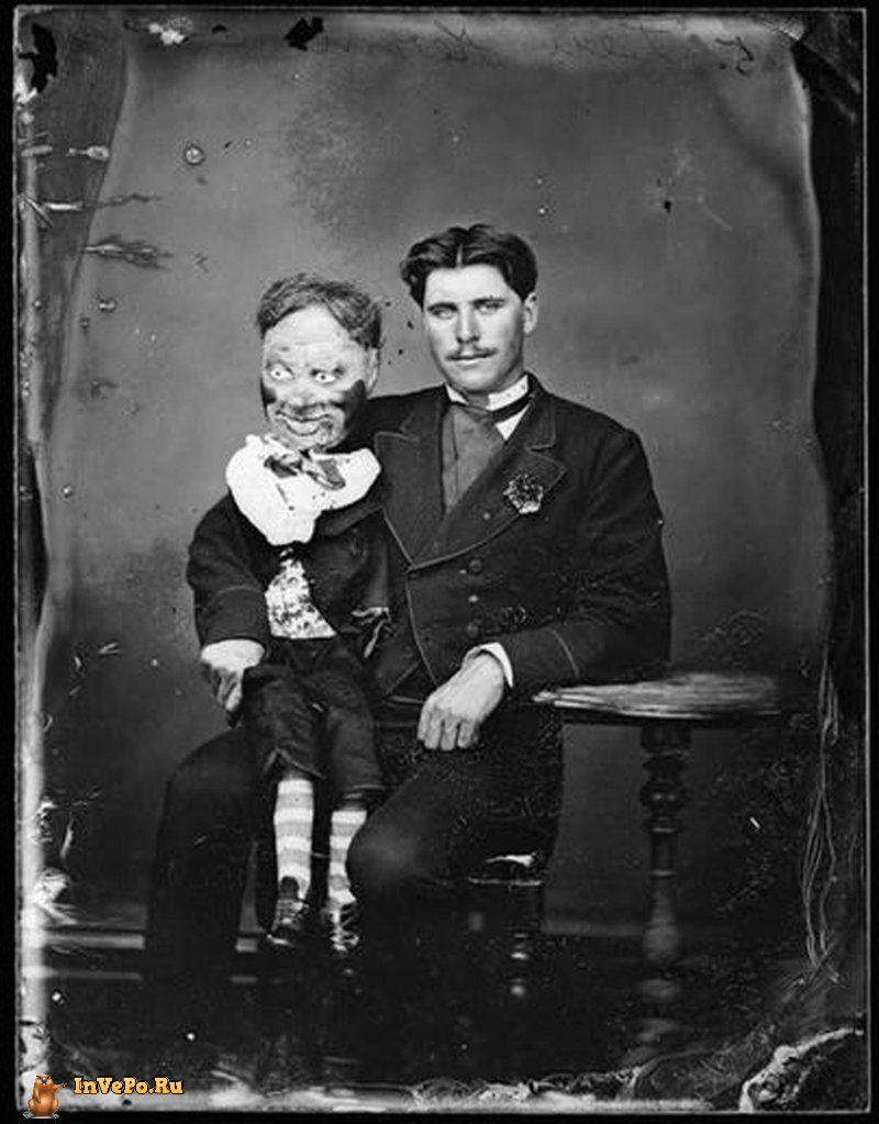 Классическая кукла из папье-маше.