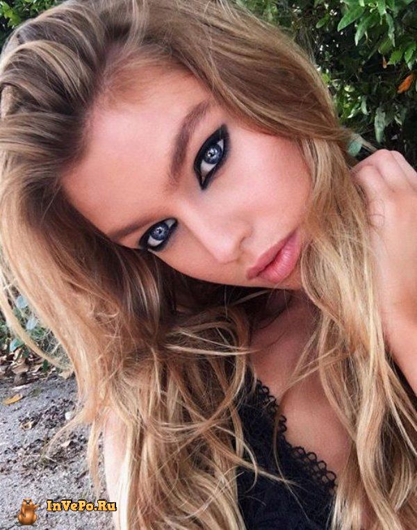 theres-a-reason-stella-maxwell-just-topped-the-maxim-top-100-list-18-photos-17