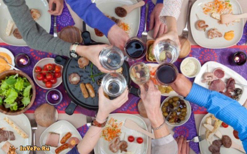 Новогодние праздники: чем не стоит закусывать алкоголь?
