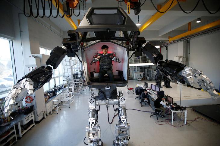 Четырехметровый Пилотируемый робот «Метод-2» в стиле «Аватара»