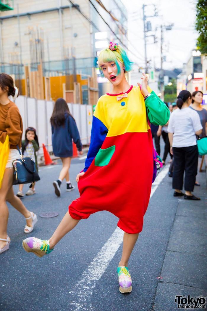 Модные персонажи на улицах Токио (27 фото)