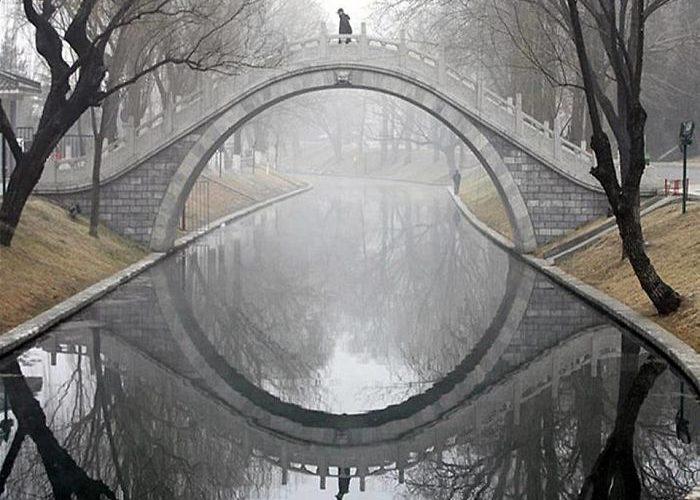 25 фантастических фотографий, на которых непонятно, где отражение, а где реальность