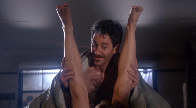 Соприкасаются ли актёры гениталиями?