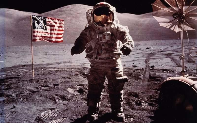 Известные и редкие фотографии американских космонавтов на луне