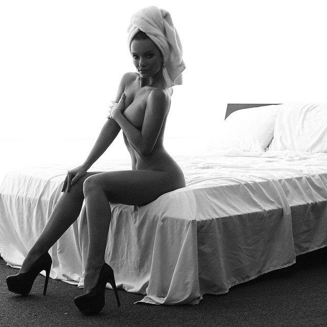Чёрно-Белые фотографии красивых девушек
