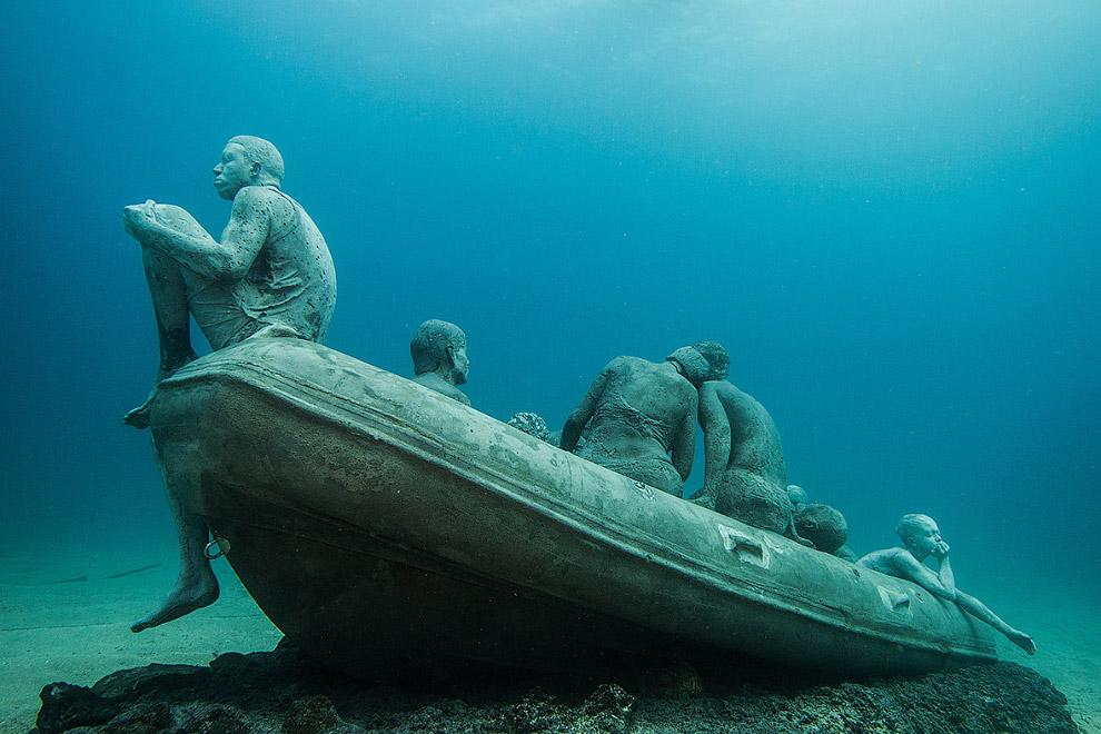 Инсталляция «Плот Лампедузы»