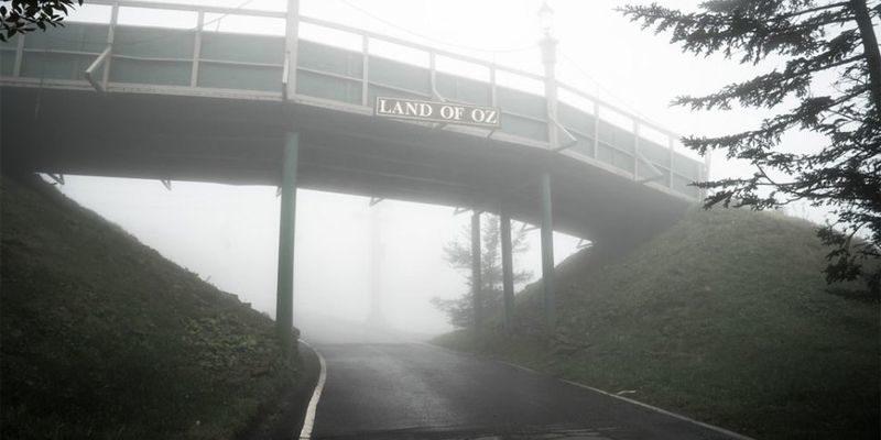 Пугающий заброшенный парк Страна ОЗ в США (Фото)