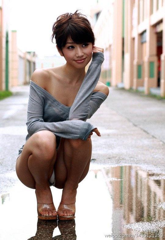 азиатские девушки фото под юбкой