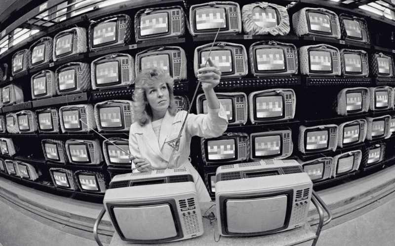 Такими были магазины электроники в СССР
