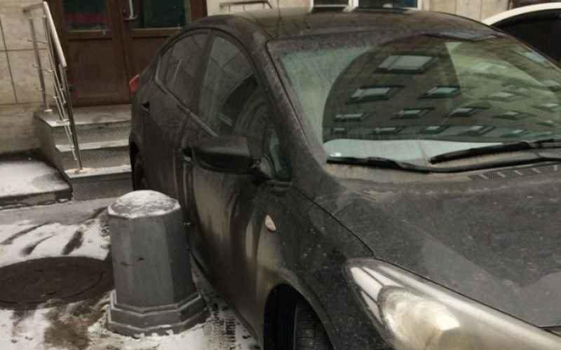 Эффектная месть любителю неправильно парковаться (6 фото)