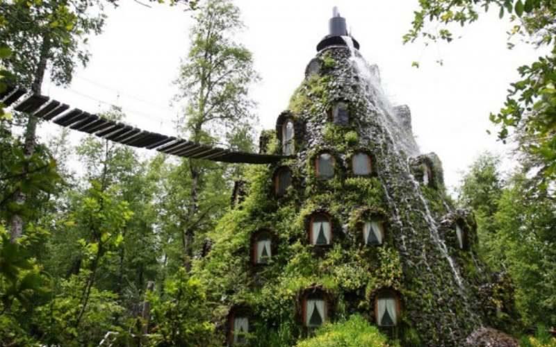 Уникальный отель Montana Magica Hotel предлагает переночевать в жерле вулкана